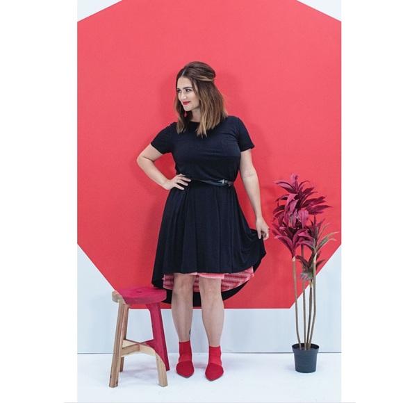 LuLaRoe Dresses & Skirts - Lularoe Noir Collection Solid Black Carly Dress